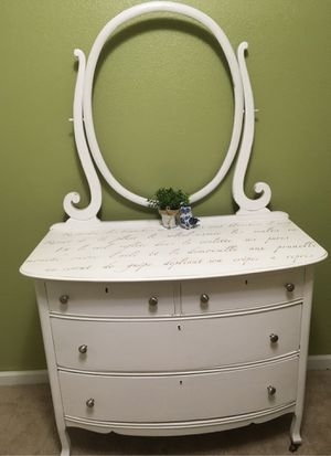 Dresser White Vintage for Sale in Colorado Springs, CO