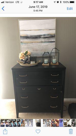 Antique dresser for Sale in Midland, TX