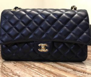 Chanel Classic Double Flap Bag Quilted Caviar Medium for Sale in Boston, MA