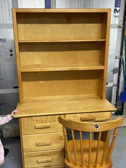 Small Wood desk for Sale in Woodinville,  WA