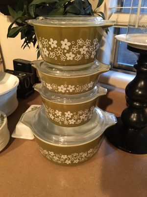 Set of 4 vintage daisy pyrex bowls & lids for Sale in Surprise, AZ