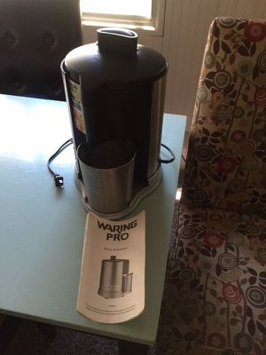 Waring juice extractor - never been used. for Sale in Arcadia, MI