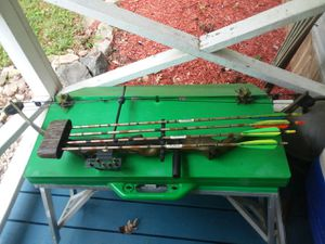 Left handed bow for Sale in Saxe, VA