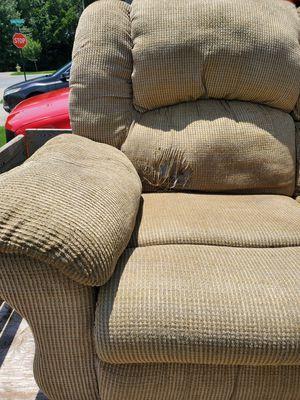 Love seat and sofa for Sale in Murfreesboro, TN
