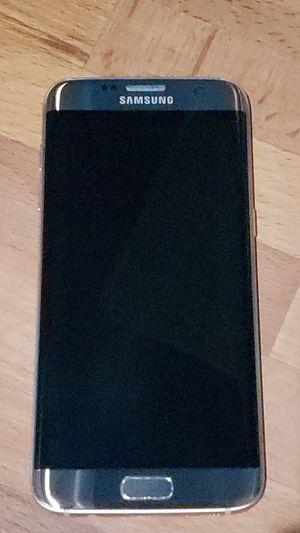 Samsung Galaxy s7 edge w/ phone case. for Sale in Kent, WA
