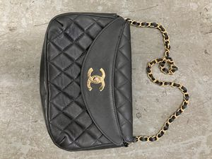 Vintage Chanel bag for Sale in Miami Beach, FL