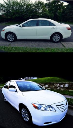 White $8OO Toyota Camry XLE 2OO8 Automatic Z6YY8 for Sale in New York, NY