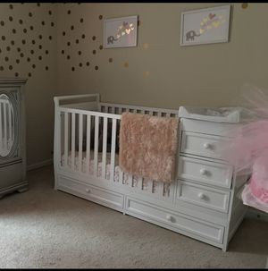 Convertible Toddler bed/Crib for Sale in Hopkins, SC