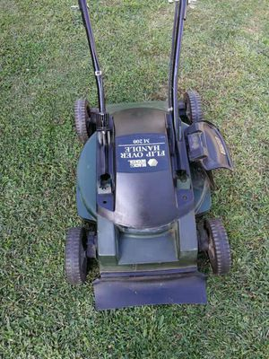 BLACK DECKER Electric Lawn Mower for Sale in Quincy, MA