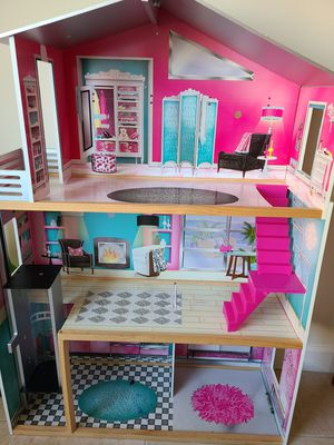 Barbie House for Sale in West New York, NJ