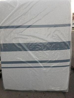 Queen mattress, Serta iComfort Blue 500 Plush Mattress, , Gel Memory Foam, New Plastic Sealed, for Sale in Hacienda Heights, CA