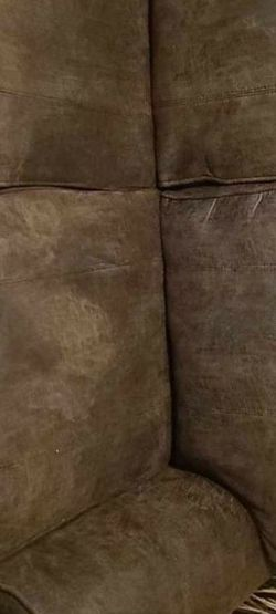 75.00 Loveseat Very Nice for Sale in Columbus,  OH