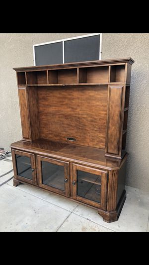 Entertainment center tv console for Sale in Bakersfield, CA