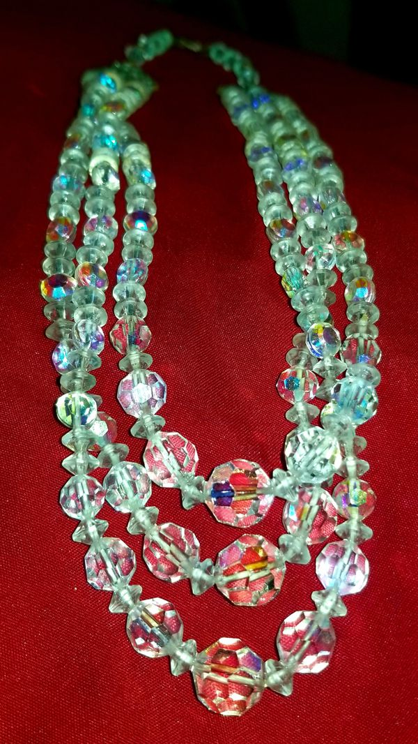 VINTAGE 3 STRAND CLEAR IRREDESCENT CRYSTAL BEADED NECKLACE