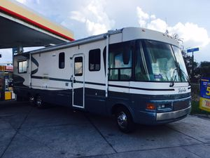 2000 motorhome tropical for Sale in Miami, FL