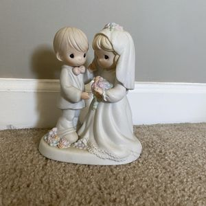Precious Moments I Give You My Love Forever True for Sale in Flowery Branch, GA