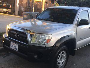2005 Toyota Tacoma en buenas condiciones for Sale in Compton, CA