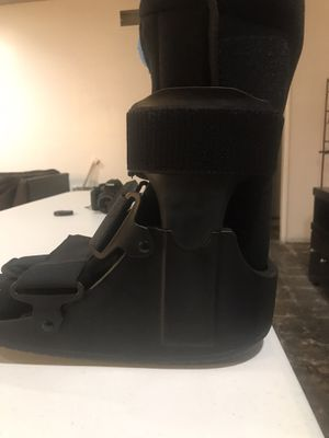 Medical Boot for Sale in Garden Grove, CA