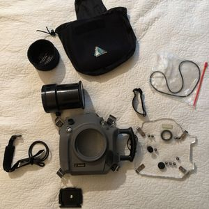 Aquatech DV-4M3 for canon 1Ds mark iii waterhousing for Sale in New York, NY