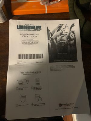 Louder than Life concert tickets in Louisville, Ky for Sale in Fort Campbell, KY