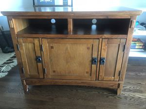 Wood TV Entertainment Stand for Sale in Chicago, IL