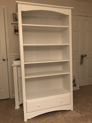 DaVinci MDB Bookcase-White for Sale in Ashburn, VA