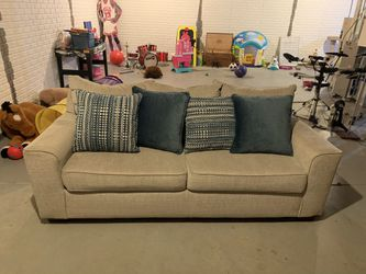 Grey Couch for Sale in Columbus,  OH