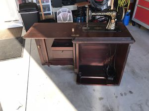Antique Singer Sewing Machine for Sale in Easley, SC