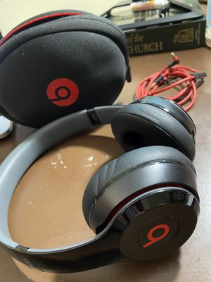 Beats Solo 2 WIRED On-Ear Headphone for Sale in Mundelein, IL