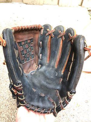 Baseball Glove for Sale in Arden Hills, MN