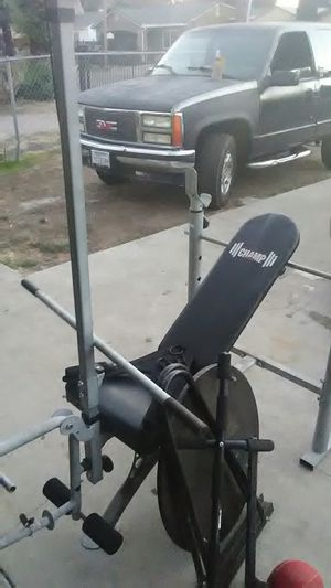 Body champ weight lifting bench with speed bag good condition for Sale in Stockton, CA