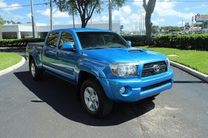 TACOMA Toyota Pre runner 2011 for Sale in Tampa, FL