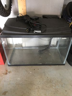 Fish tank 10 gallons for Sale in Bowie, MD