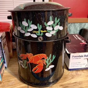 Granite Ware 19-Quart Decorated Clam and Lobster Steamer Pot for Sale in Dumont, NJ