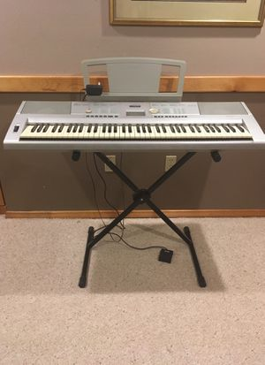 Yamaha Portable Grand DGX-205 for Sale in Snohomish, WA