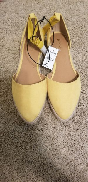 Yellow Dress Shoes!!! Size 10 for Sale in Spring, TX