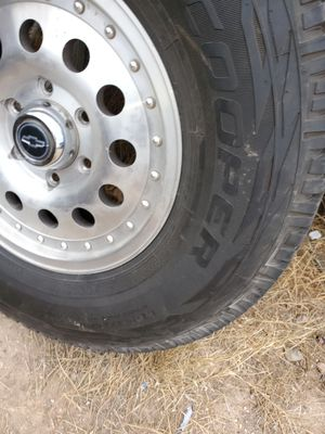 265/75r/16. Cooper LT rims and tires for Sale in El Paso, TX