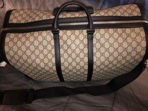 Gucci duffle for Sale in Roseville, MI