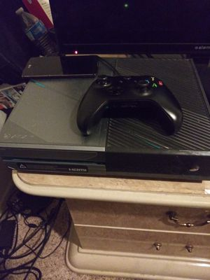 Xbox One Halo 5 edition (willing to trade) for Sale in Dallas, TX