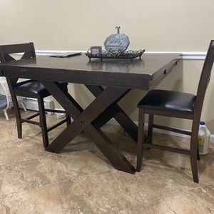 Table for Sale in Manorville, NY