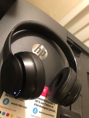 Beats Solo Pros(Wireless) for Sale in Woodlawn, MD