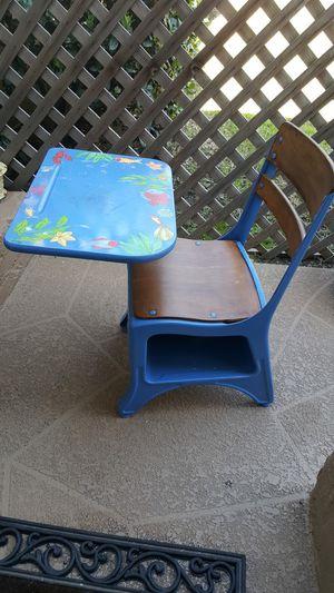 Kids desk for Sale in Pomona, CA