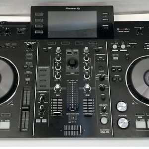 Pioneer XDJ-RX All in One Rekordbox Controller DJ System Wth Dust Cover for Sale in Union, NJ