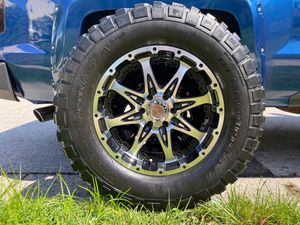 Chevy 6 lug 20's with 35 MT tires for Sale in Linthicum Heights, MD