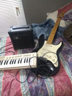 Guitar amp keyboard for Sale in Houston, TX