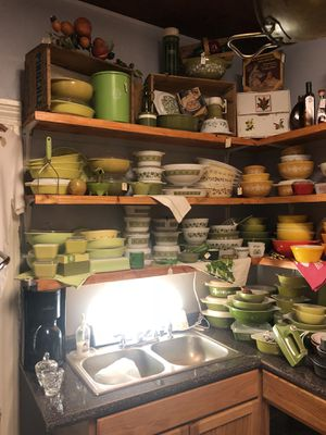 Vintage Pyrex pieces for Sale in Eustis, FL