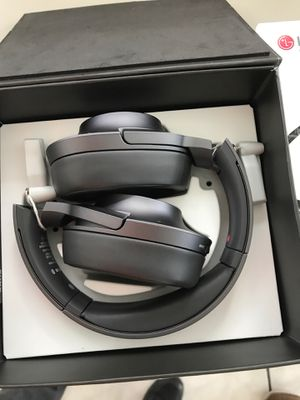 sony headphone hear on 2 with 50% for Sale in Belle Isle, FL