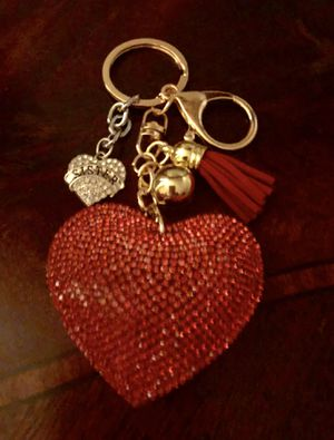 SISTER RED GOLD SILVER HEART RHINESTONE KEYCHAIN for Sale in Macomb, MI