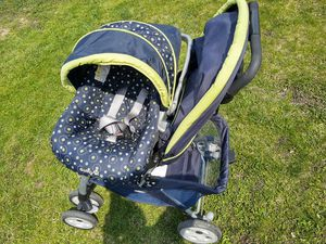 Safety stroller & car seat for Sale in Glendale Heights, IL