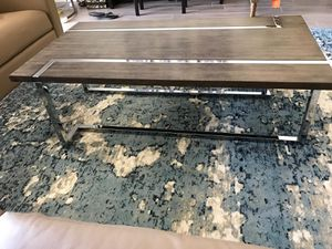 Modern Stylish Coffee Table with Wood and Metal - GREAT CONDITION for Sale in Glendale, AZ